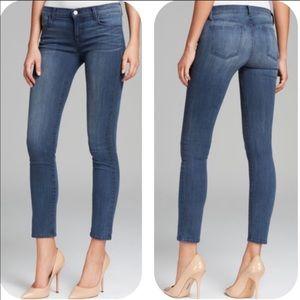 J Brand • 811 Midrise Skinny Leg • 27 • Utopia